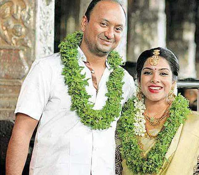 Actress-Kadhal-Sandhya- Gets-Married