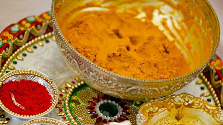 Look-stylish-at-your-haldi-ceremony