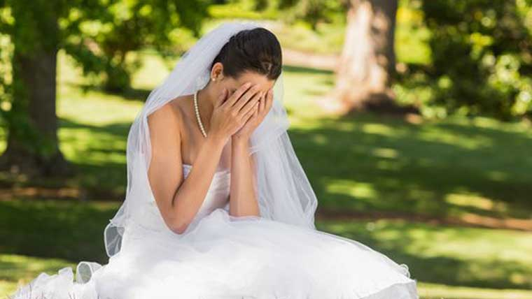 Totally-horrible-wedding-traditions-from-history
