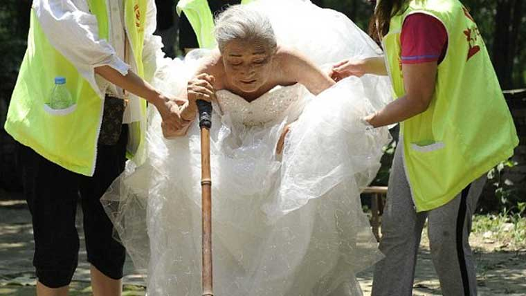 Chinese-couple-has-their-dream-wedding-photo-after-80-years-of-marriage