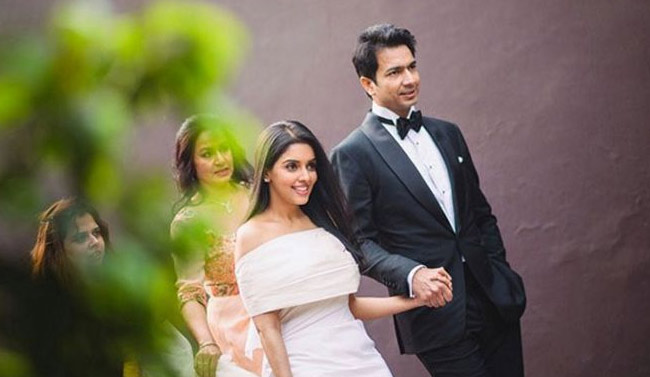 ASIN-TIES- KNOT-WITH-RAHUL-SHARMA