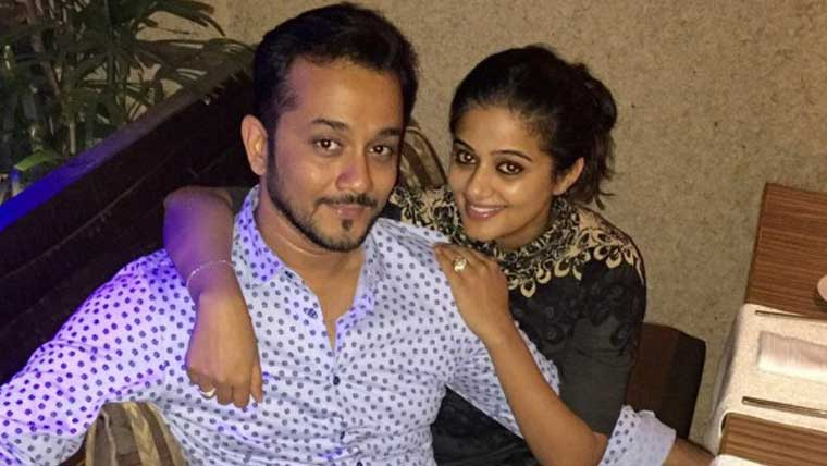 Priyamani-gets-engaged-to-Mustufa-Raj