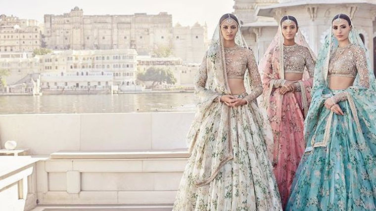 Saabyasachi-unveils-his-spring-bridal-collection-2017