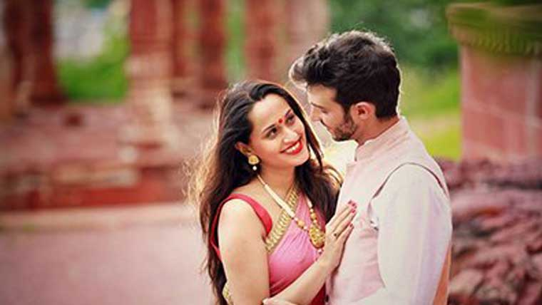Singer-Shweta-Pandit-ties-the-knot-with-Italian-boyfriend