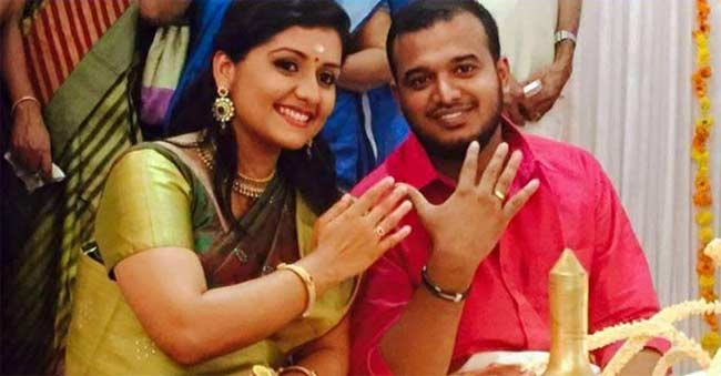 Actress-Sarayu-Gets-Engaged-Wedding-Styles