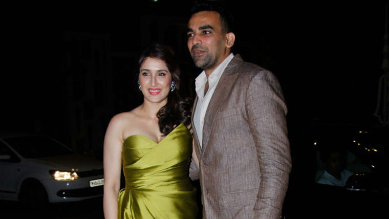 Zaheer-Khan-and-Sagarika-are-officially-engaged