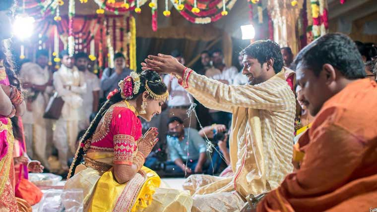 Happy-Days-actor-Varun-Sandesh-marries-Vithika