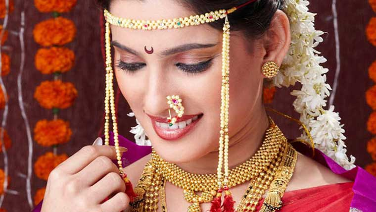 Indian-brides-diverse-ornament-collection-Jewellery-from-various-states