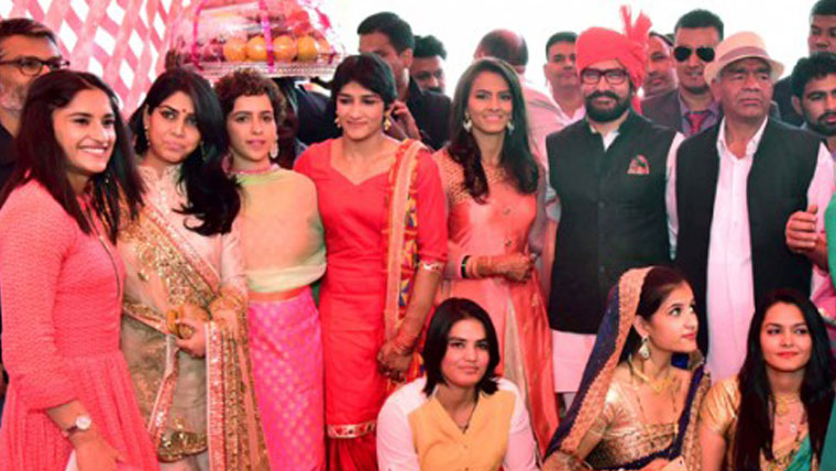 Aamir-attends-real-life-Dangal-wrestlers-wedding