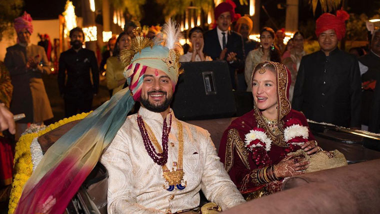 Bollywood-hunk-Arunoday-Singh-marries-Canadian-girlfriend