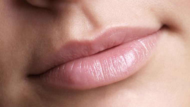 Natures-secrets-for-beautiful-lips